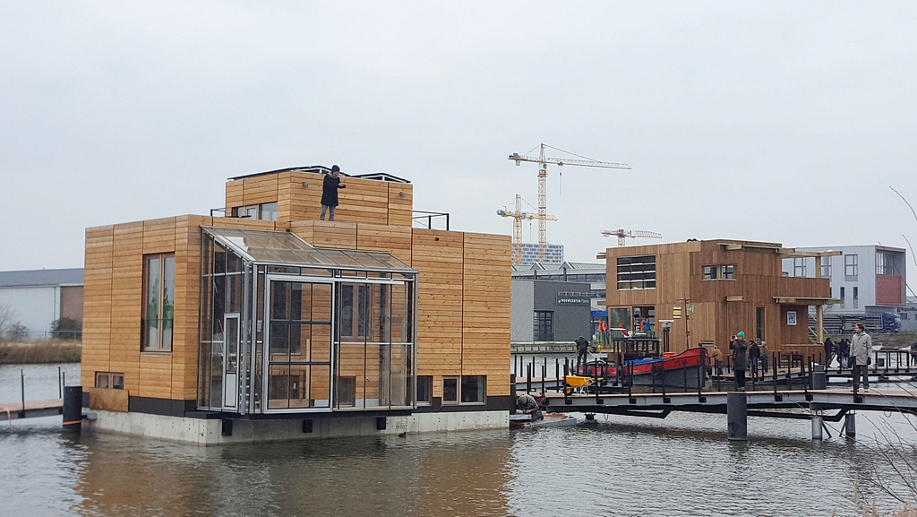 Schoonschip floating community