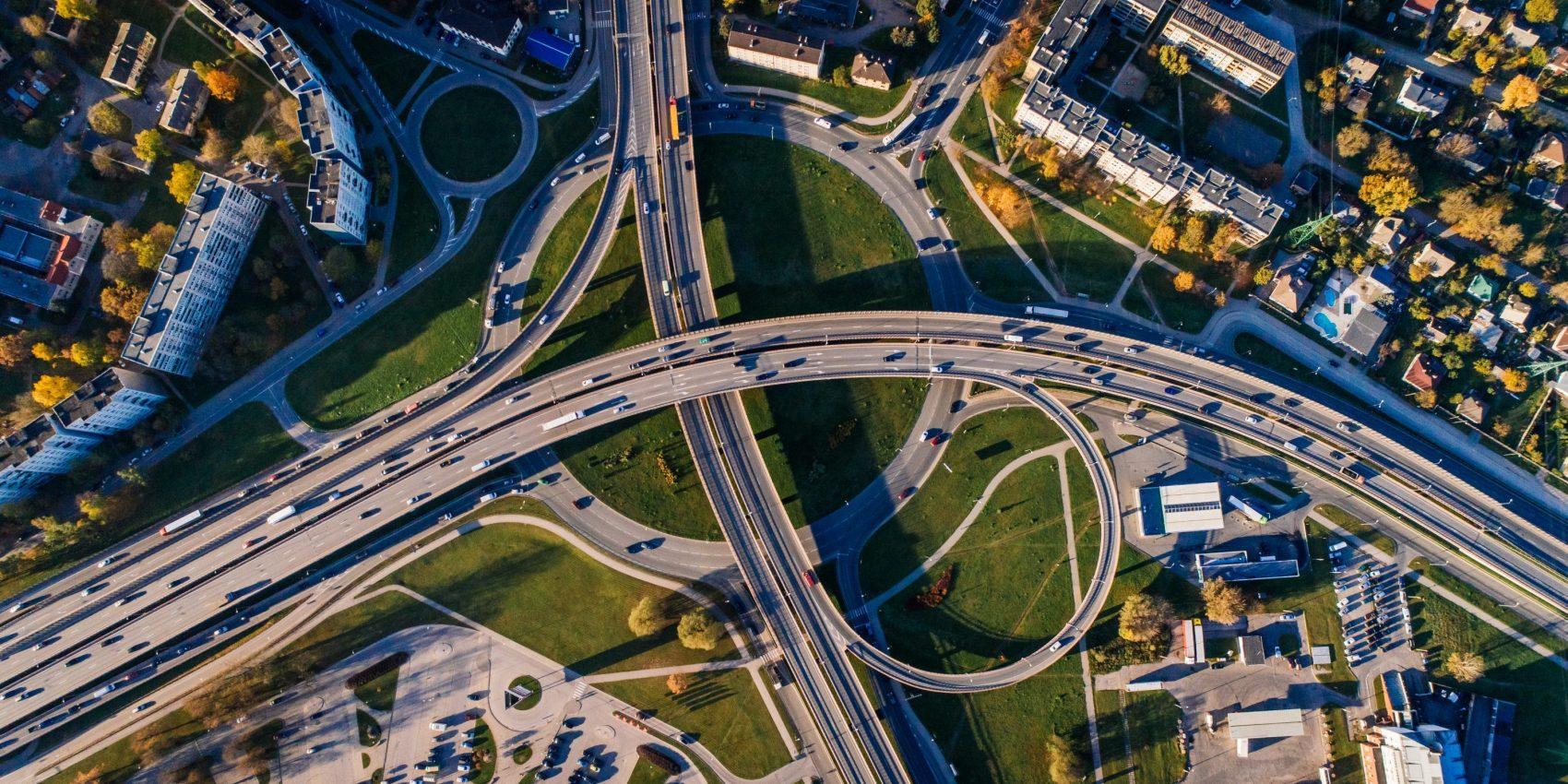 aerial-view-architecture-bridges-681335-e1542893029821