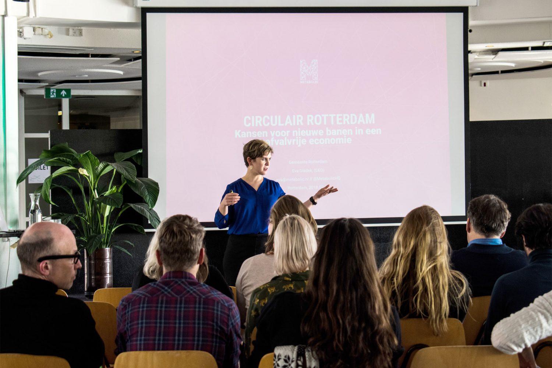 Metabolic CEO Eva Gladek presenting the Circular Rotterdam proposal.