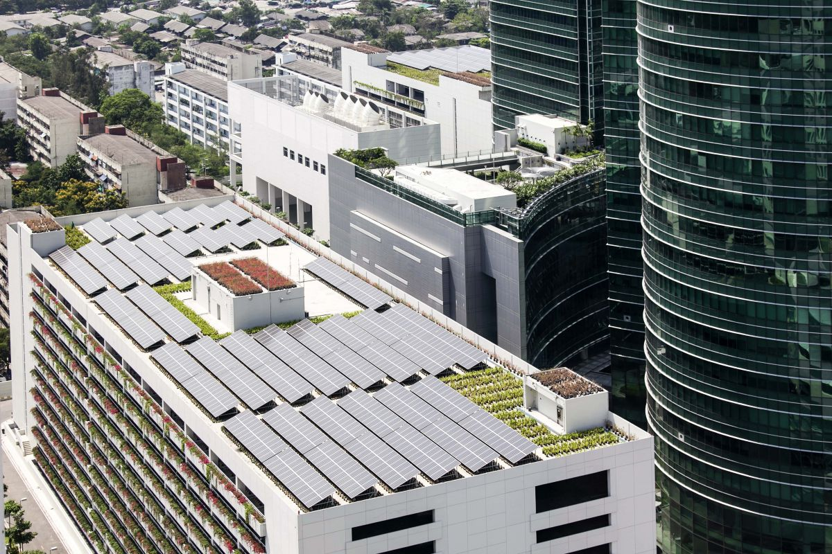 Recommendations include making the most of roof space, through solar panels and cooling rooftop gardens.